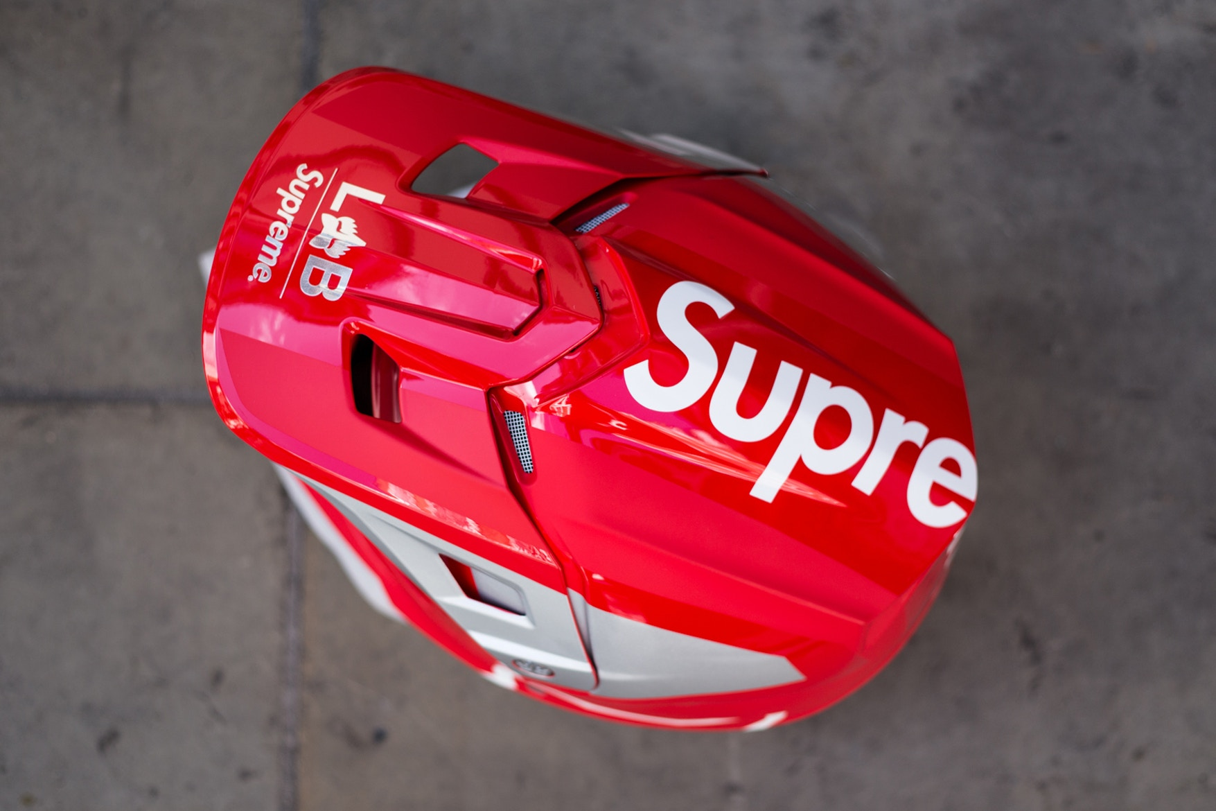 supreme-fox-racing-street-style-spring-summer-2018-5