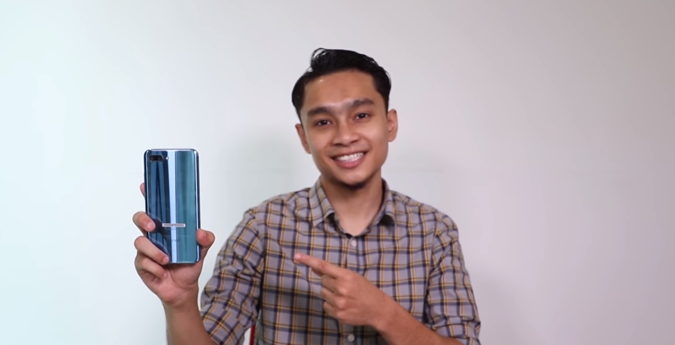 Honor 10 Featured