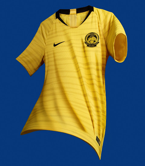 stunning-nike-malaysia-2018-19-home-away-kits (2)