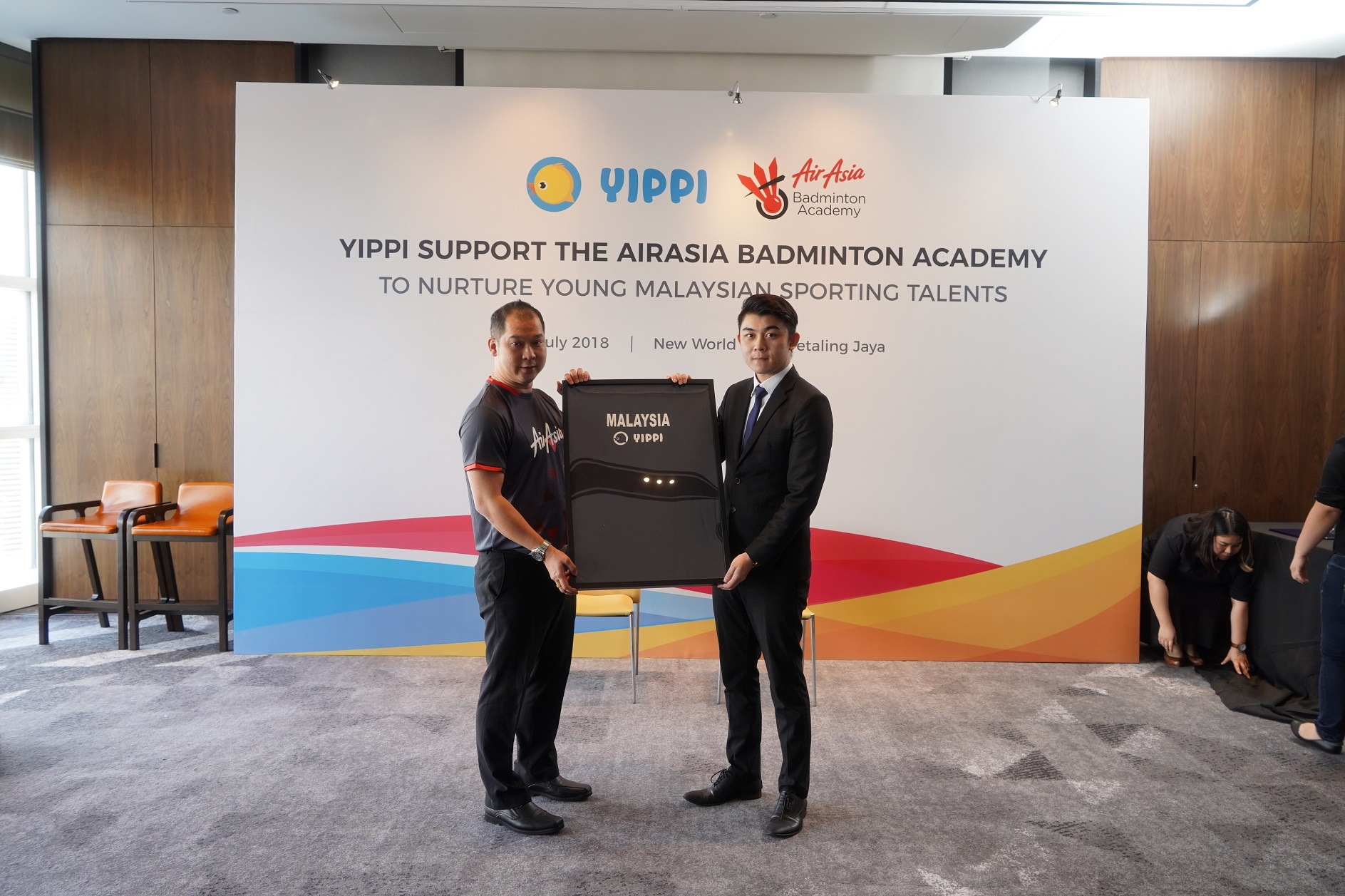 Image 2 – Jason Lim, President of AirAsia Badminton Academy and Tan Fai, Business Development Manager, Toga Limited during the signing ceremony new 2