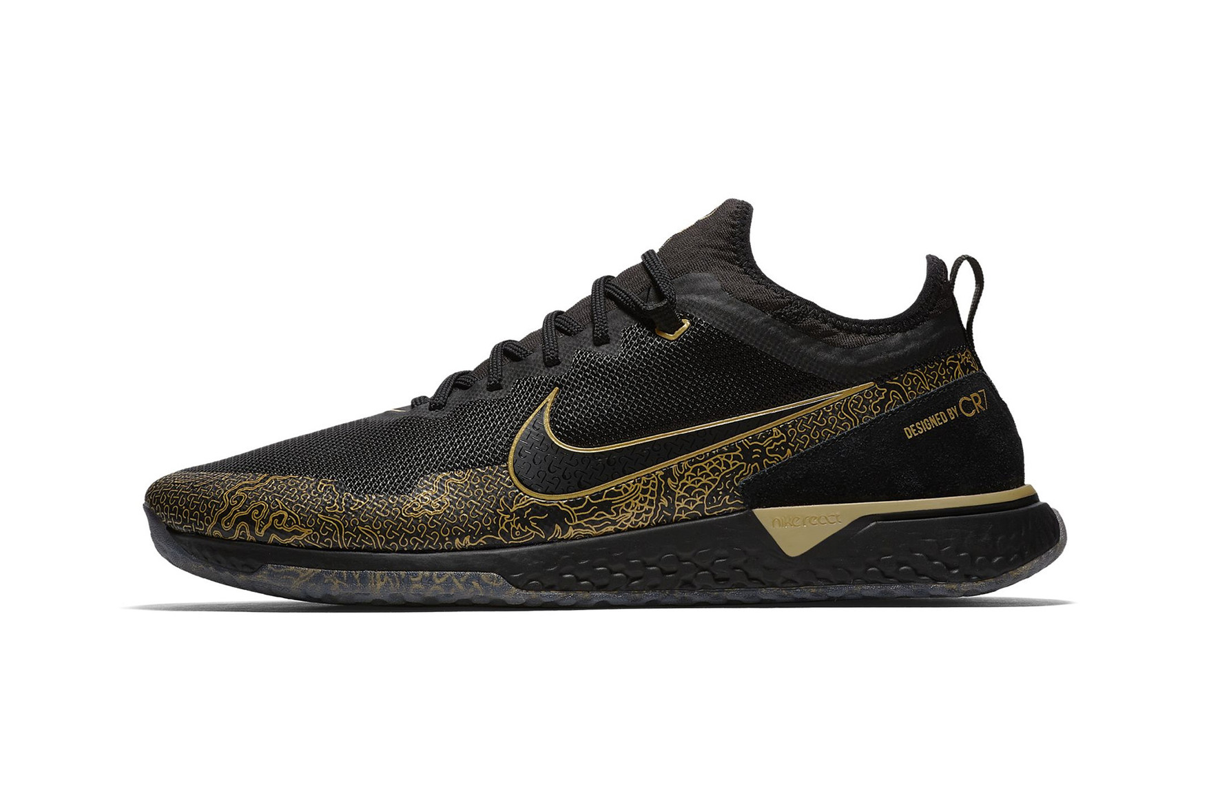 christiano-ronaldo-nike-fc-cr7-black-metallic-gold-01