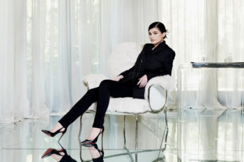 kylie-jenner-net-worth-forbes-magazine-billionaire-issue-interview-900-million-usd-02