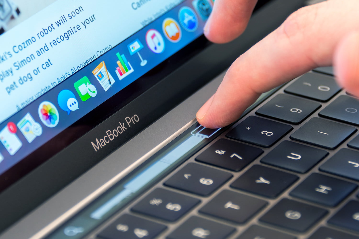 macbook-pro-2016-touchbar1-1500×1000