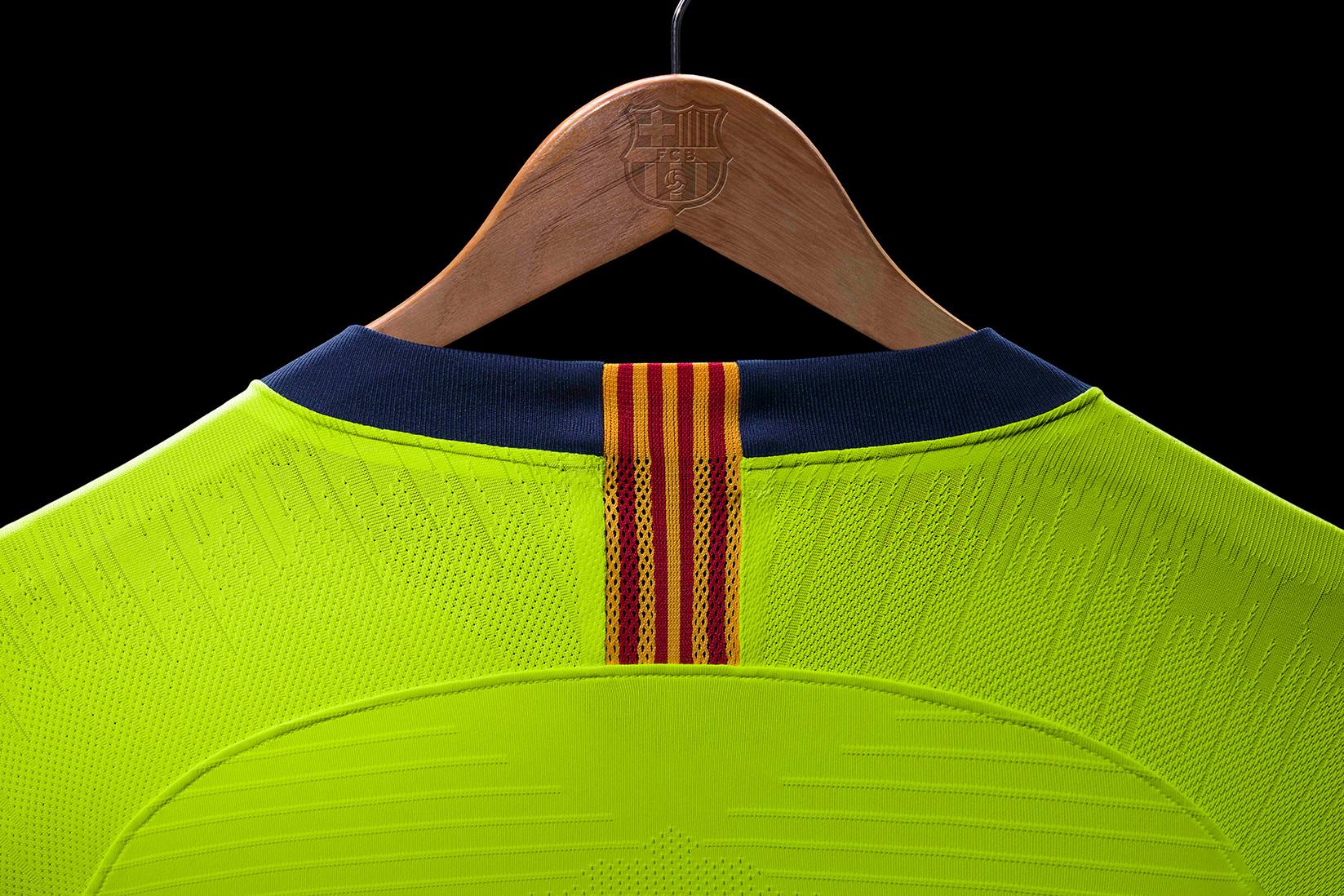 nike-football-fc-barcelona-2019-away-kit-2