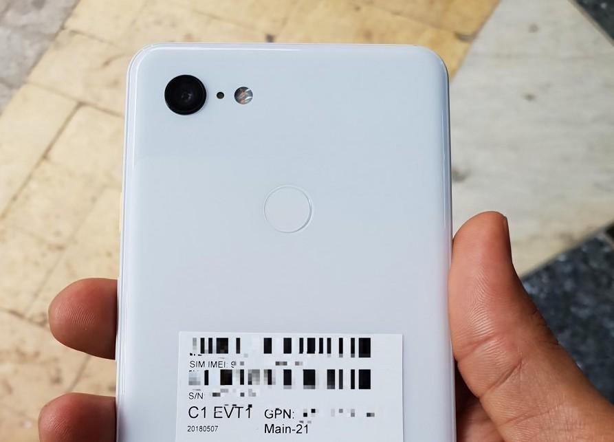 White-Google-Pixel-3-XL-Picture-3-1