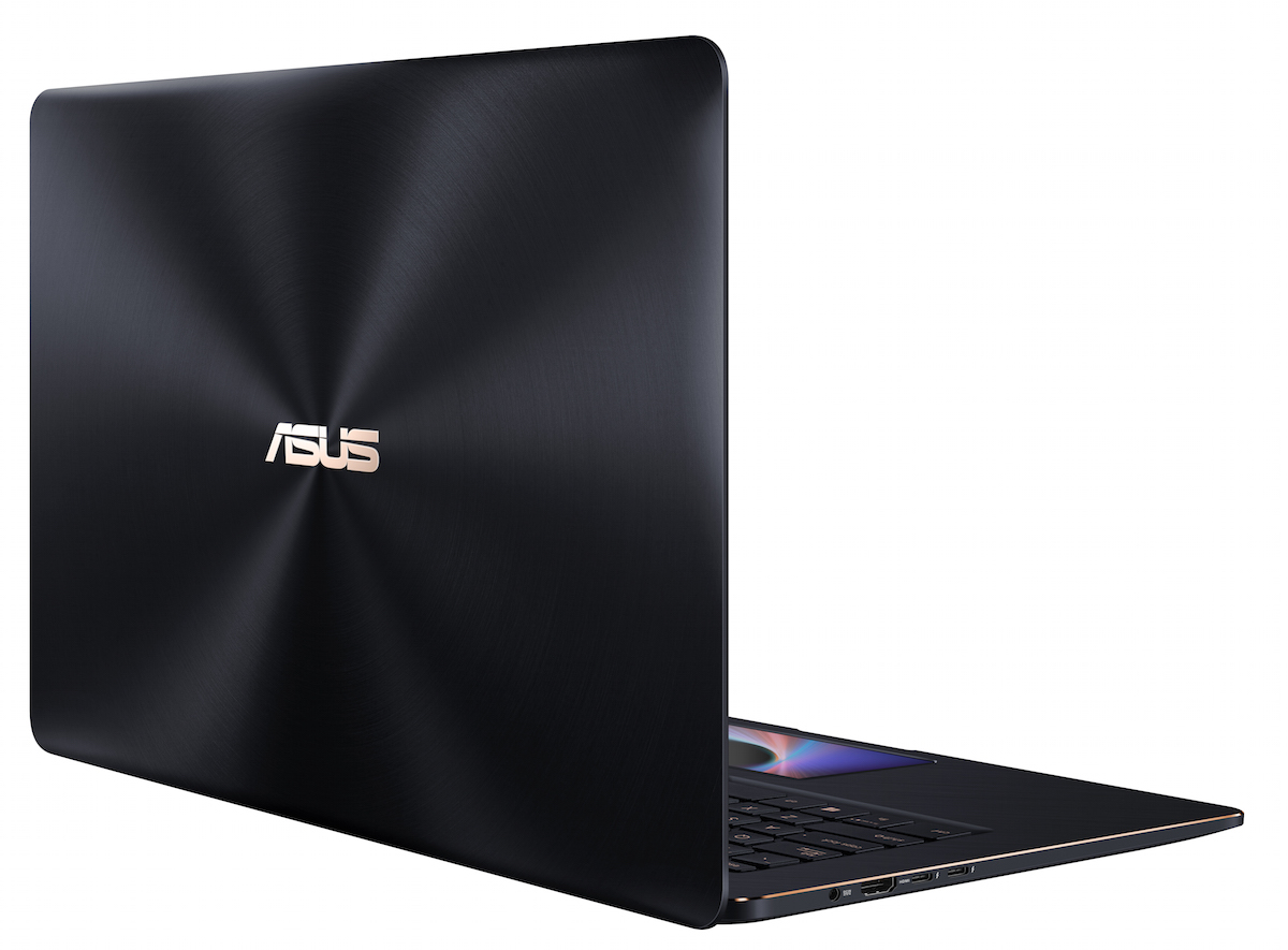 ZenBook Pro 15_UX580_Product Photo_1C_Deep Dive Blue_16