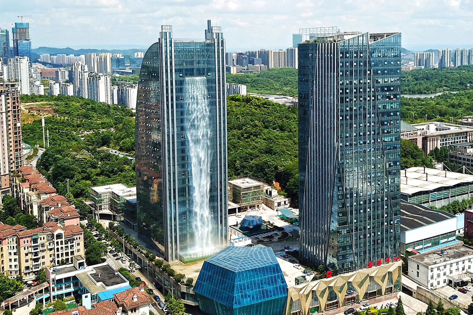 china-waterfall-skyscraper-guiyang-1