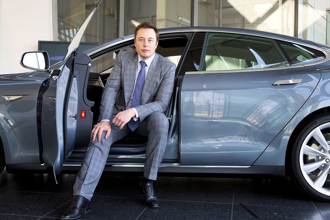 https_hypebeast.comimage201808elon-musk-net-worth-rose-1-4-billion-01