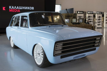 https_hypebeast.comimage201808kalashnikov-electric-supercar-cv-1-prototype-izh-2125-kombi-001