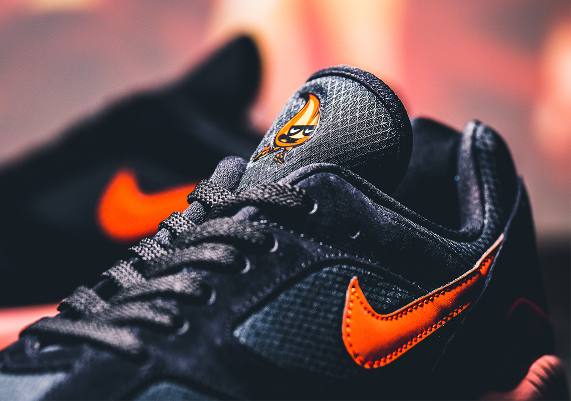 nike-AV3734-001-air-max-180-Fire-and-Ice-3