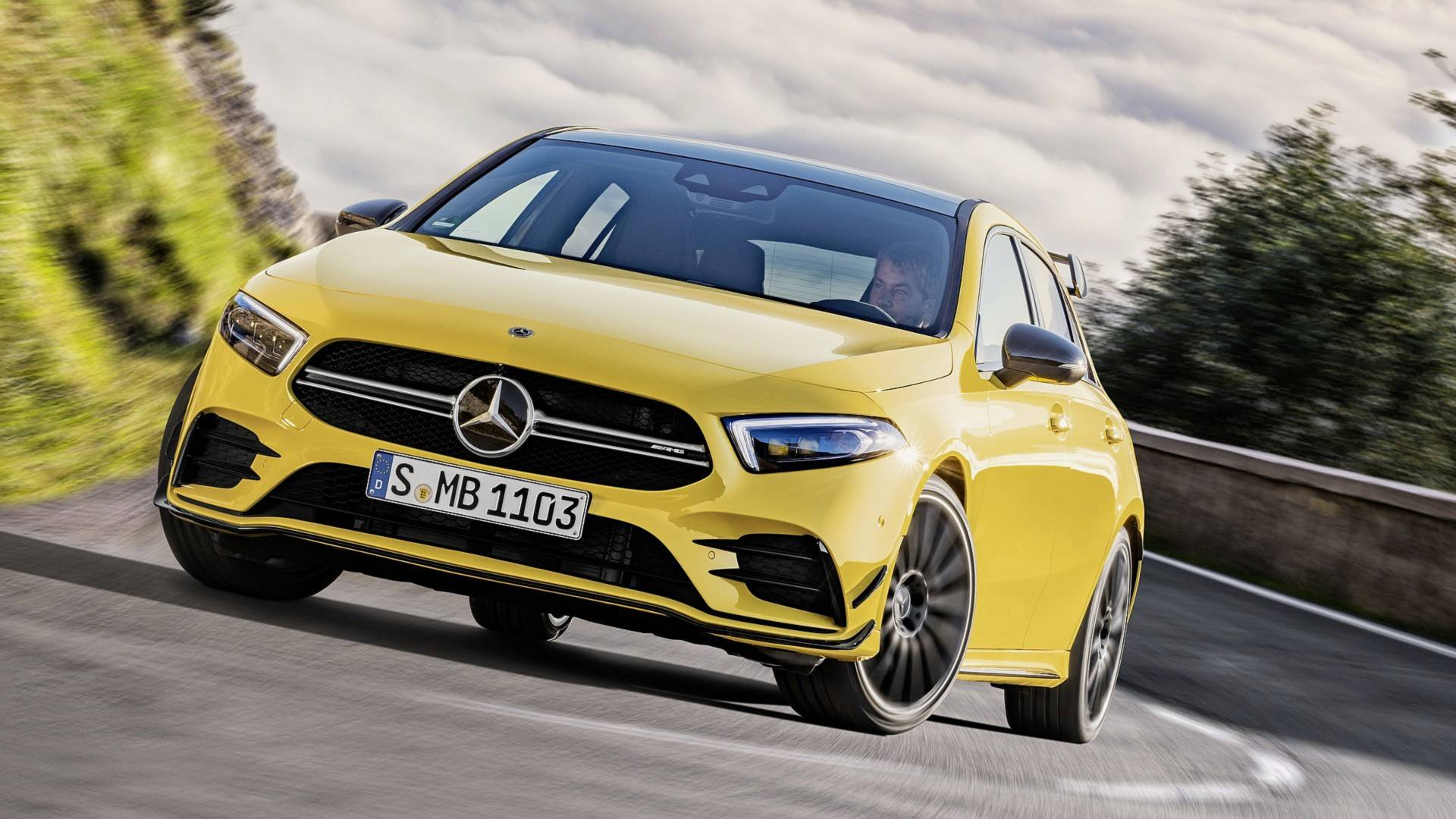2019-mercedes-amg-a35-4matic