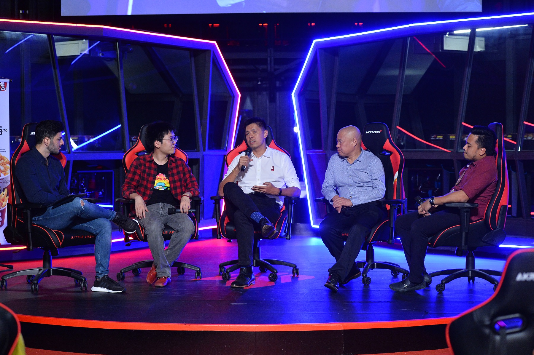 R to L_ Mohd Syazwan bin Mohd Hanafie, National Sports Council of Malaysia; Richard Lee, CMO, DU Recorder; Lee Choong Khay, Chief of Sports, Astro; Ng Yubin, Tamago