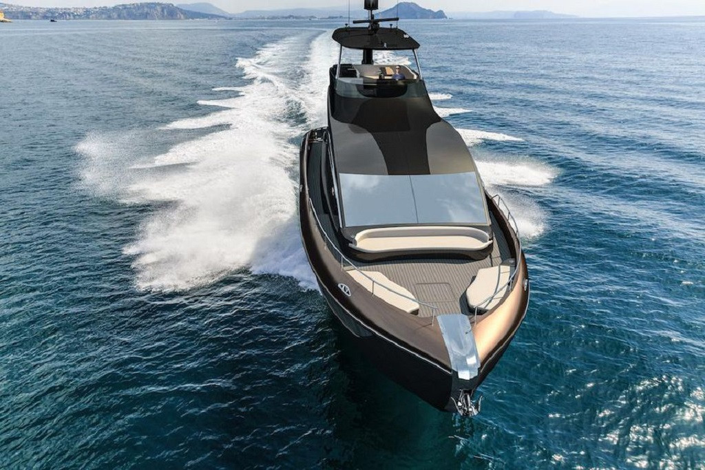 https_hypebeast.comimage201809lexus-ly-650-luxury-yacht-marquis-larson-boat-group-2019-2