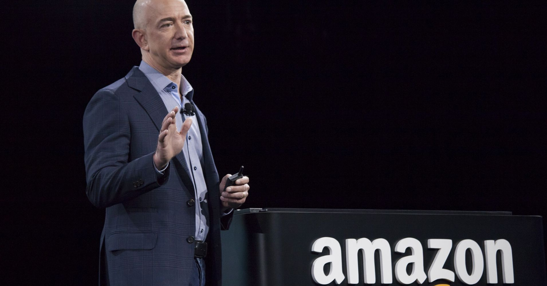 104542915-jeff-bezos-amazon.1910×1000
