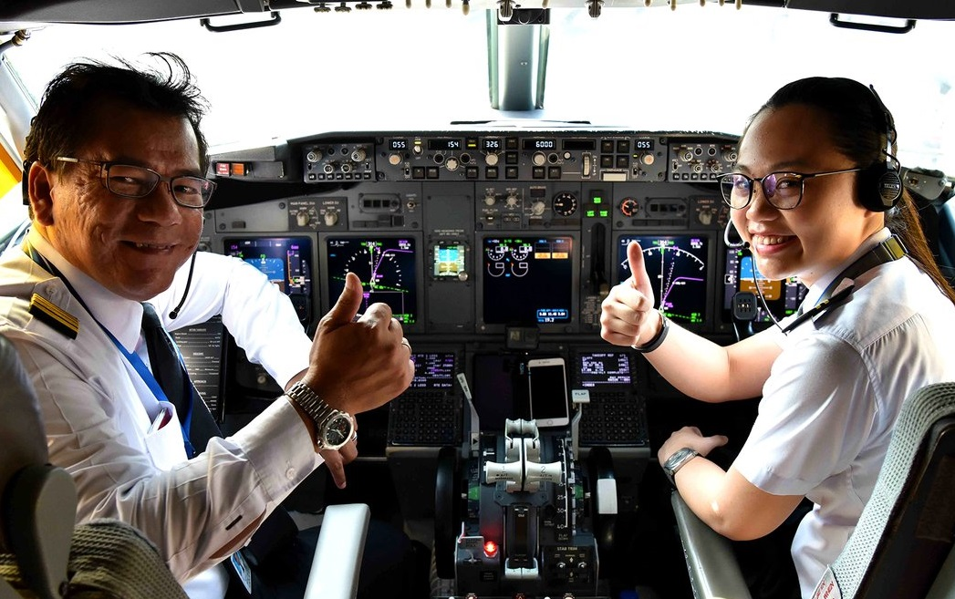 MAS Female Pilots
