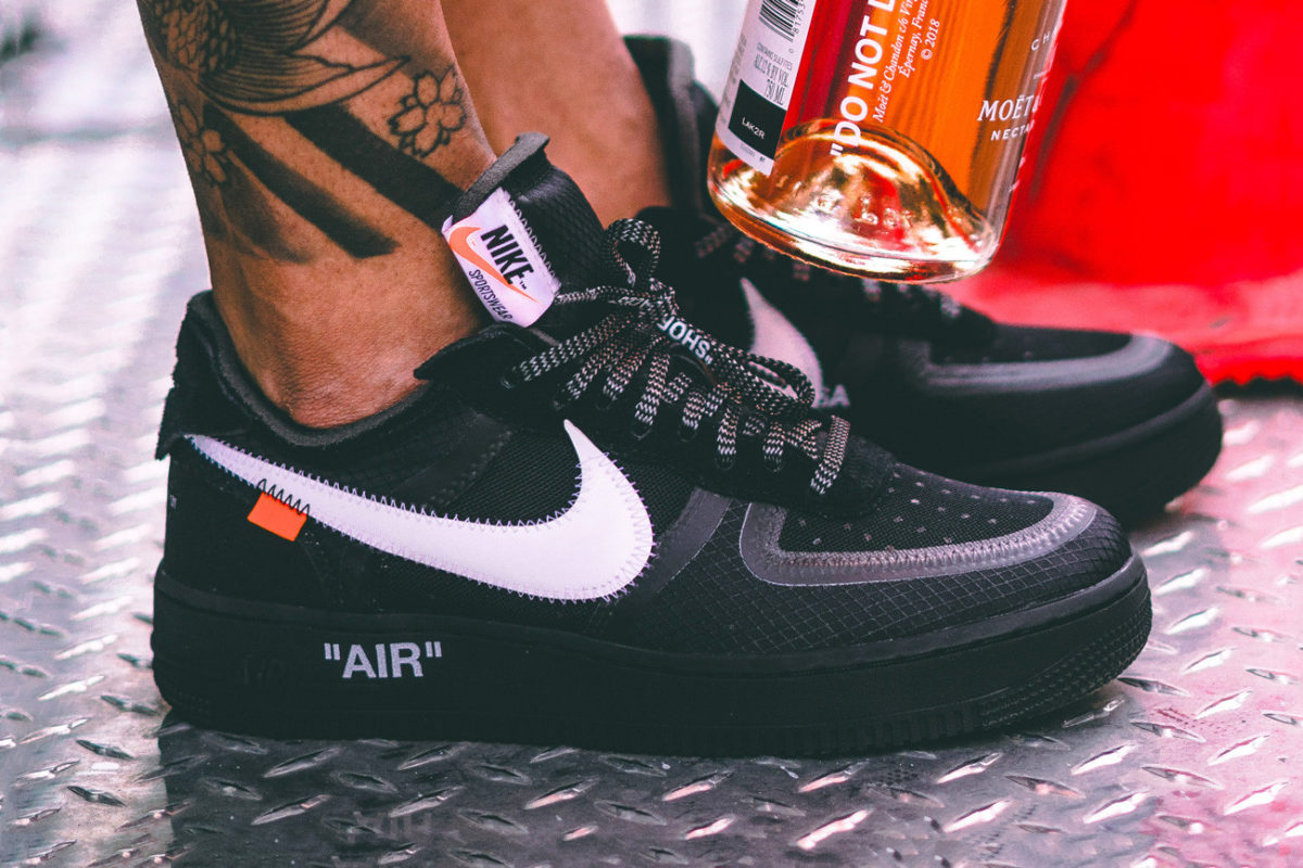 https_hypebeast.comimage201810off-white-nike-air-force-1-v2-black-003