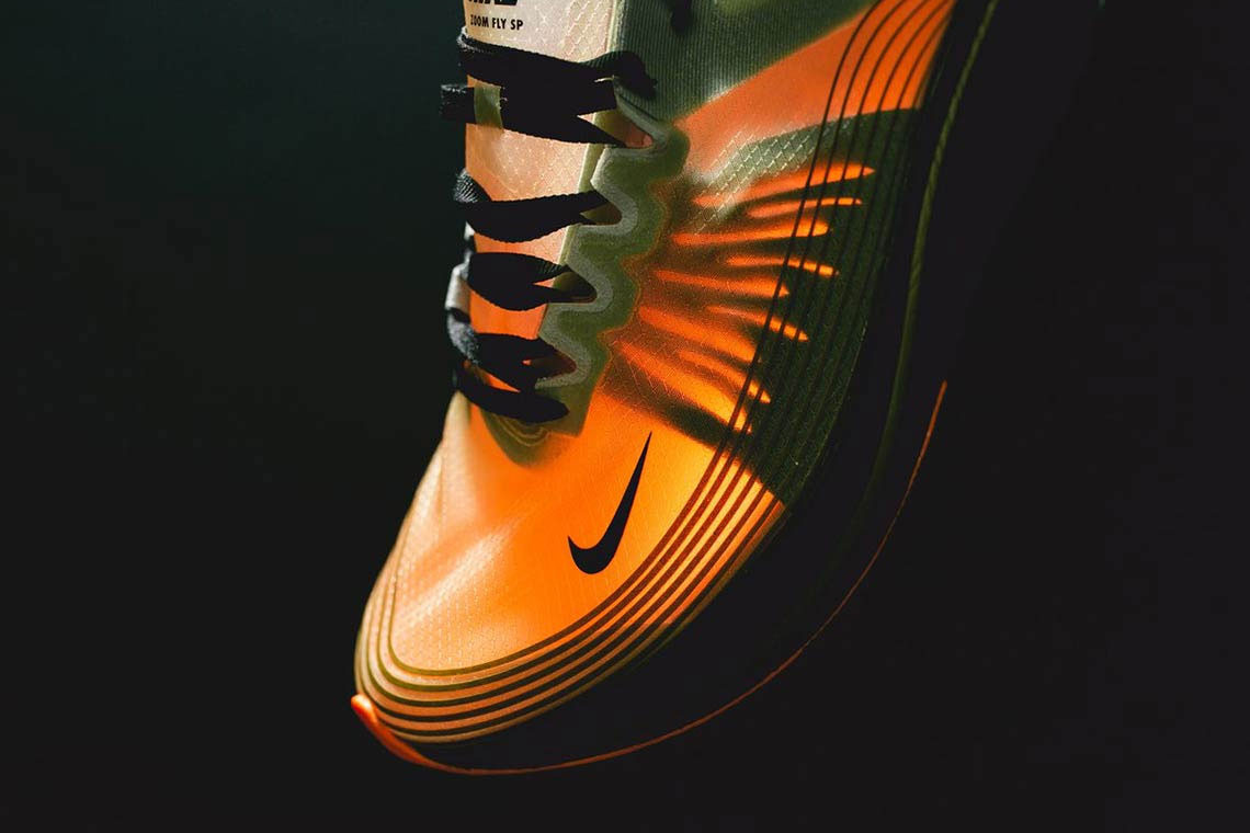 nikes-zoom-fly-sp-runner-receives-a-flight-jacket-colorway-02