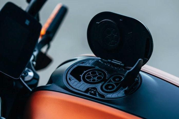 2019-Harley-Davidson-Livewire-8-BM