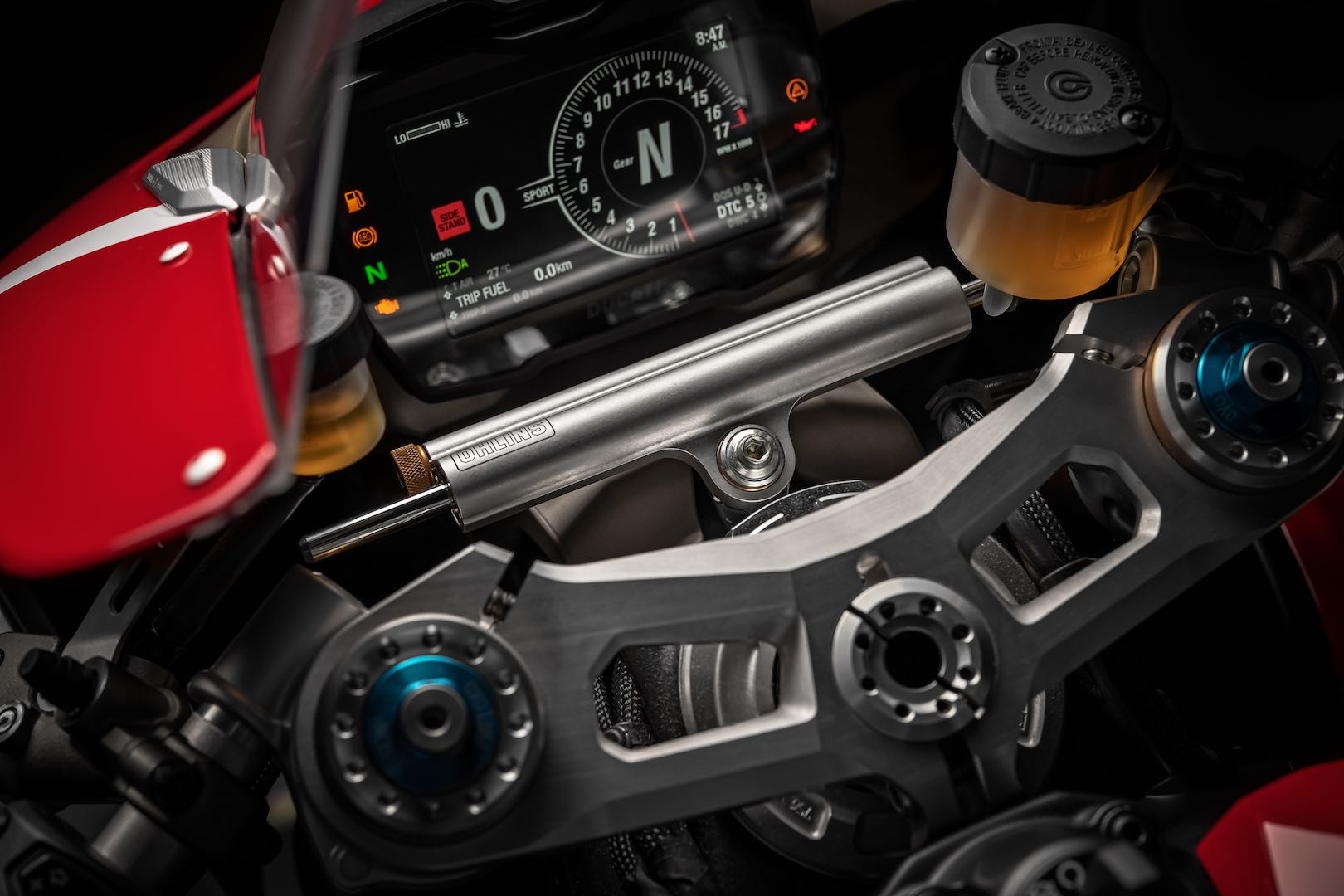 2019-ducati-panigale-v4-r-first-look-preview-20
