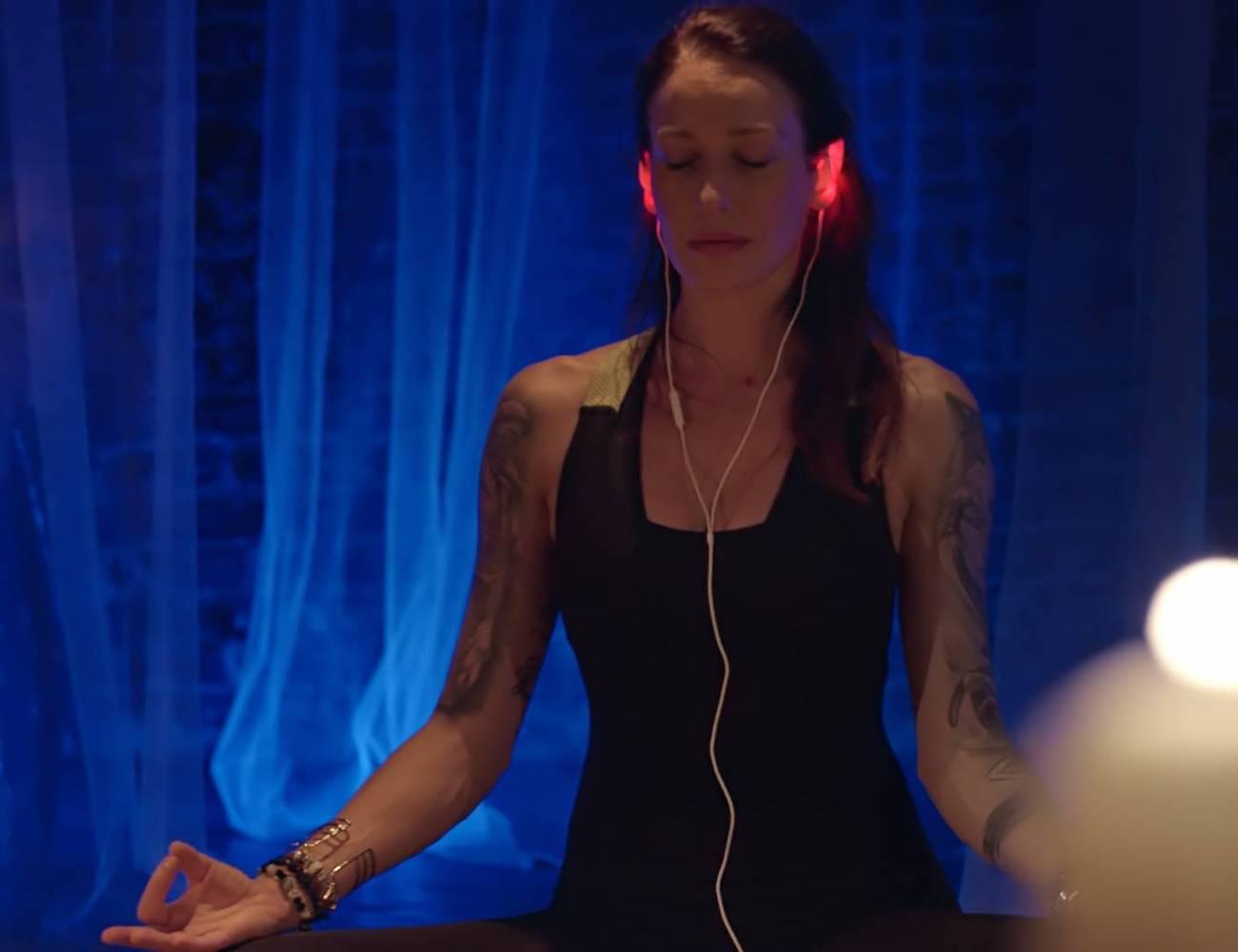 Leah-Life-Saving-Light-Up-Headphones-05
