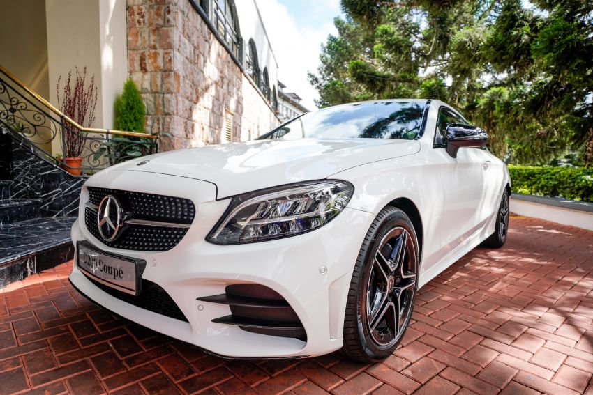 Mercedes-Benz-C200-Coupe-AMG-Line-facelift