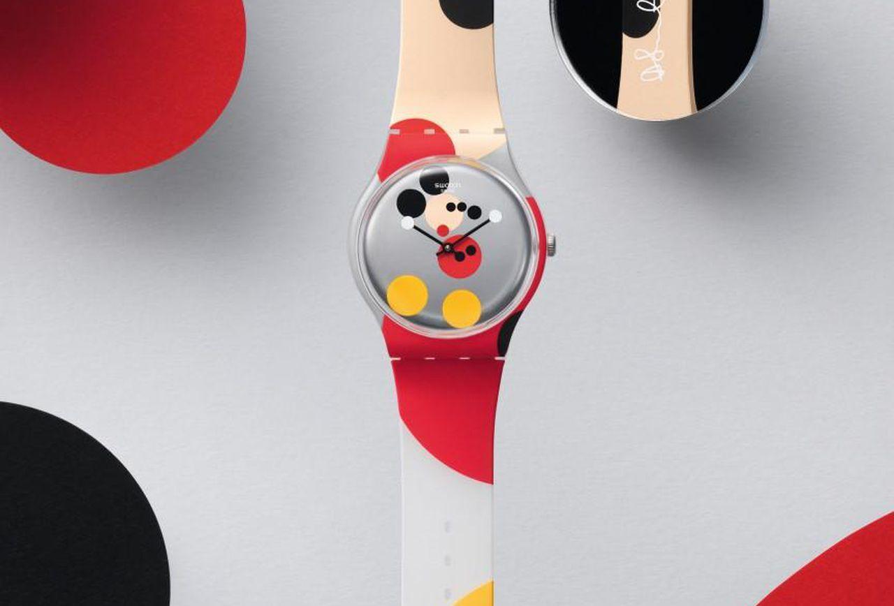 Swatch_Mirror-Spot-Mickey_SUOZ290S_Mood_Print