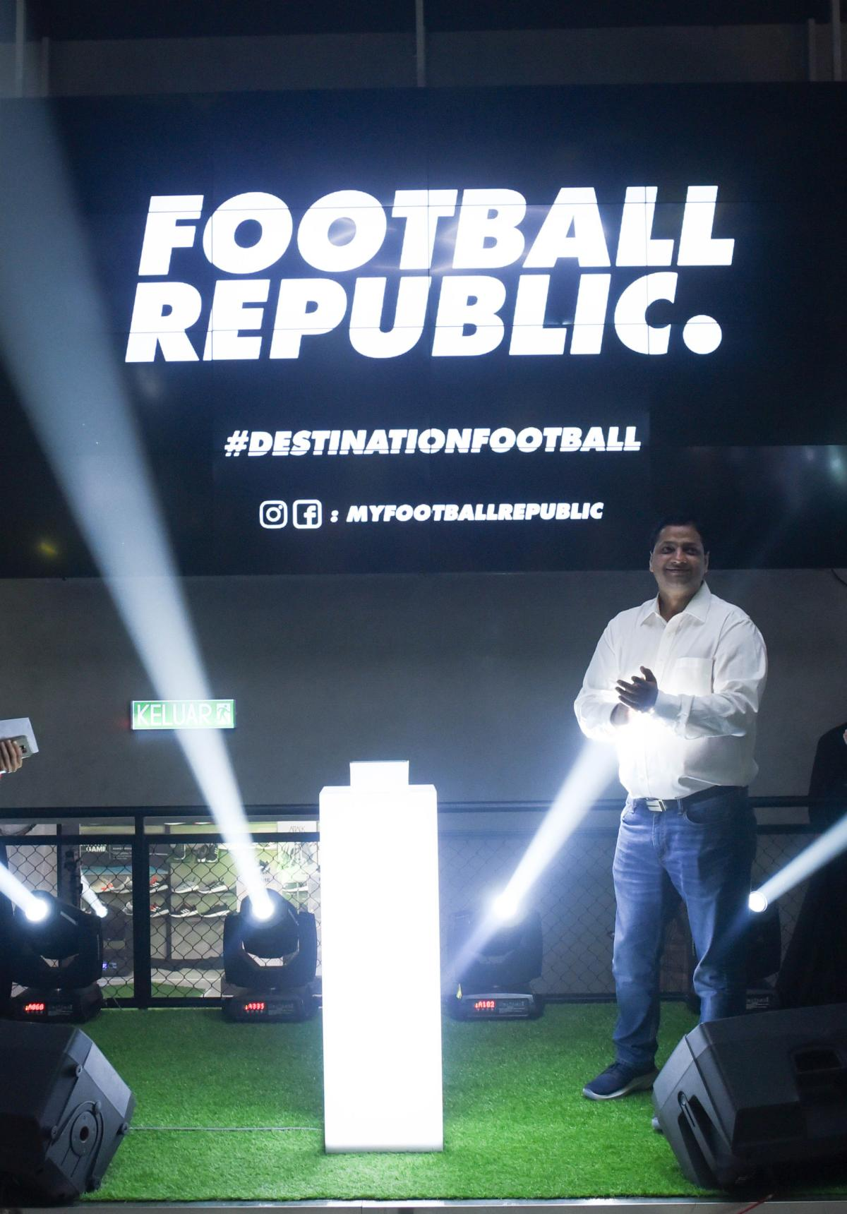Vach Pillutla, CEO of Al-Ikhsan Sports Sdn Bhd, officiating the launch of Football Republic's flagship store