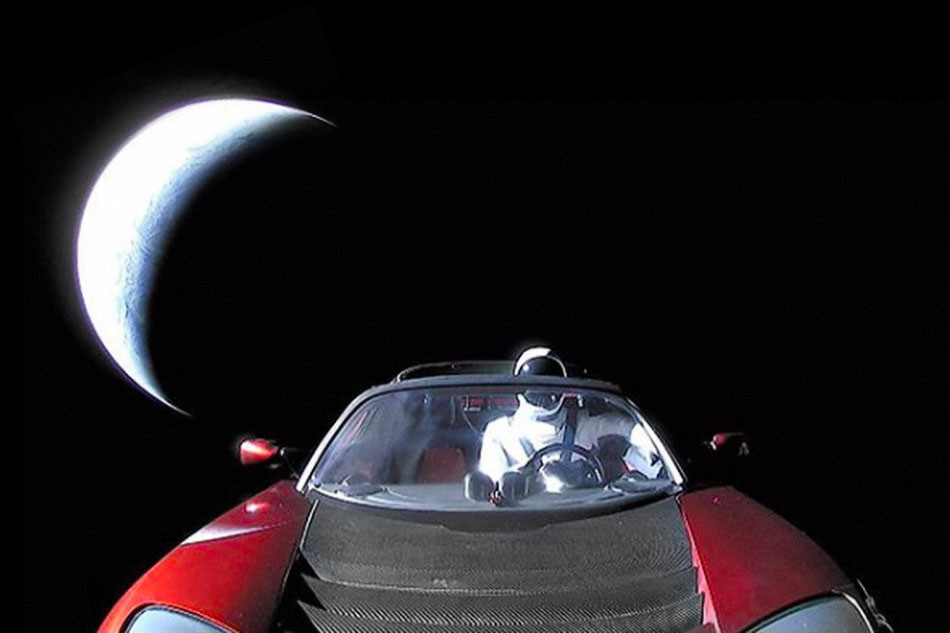 https_hypebeast.comimage201811spacex-falcon-heavy-tesla-roadster-starman-mars-orbit-location-0001