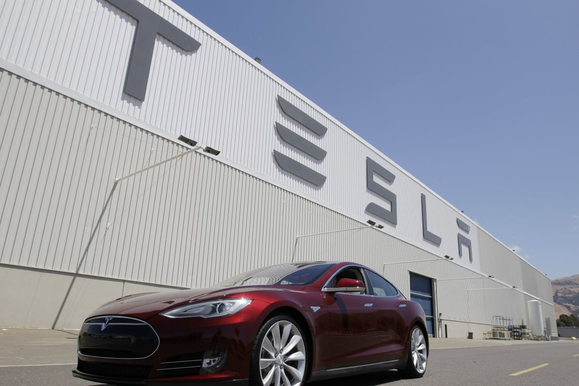130509-tesla-earnings-gross-tease_klseyz