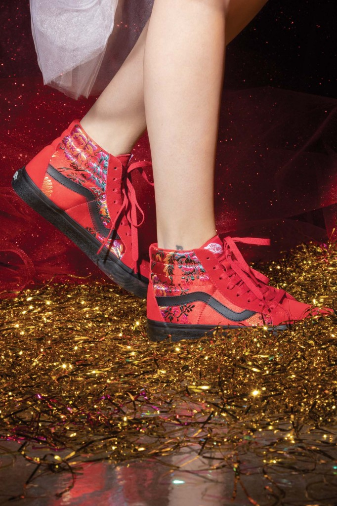 HO18_Festival_Satin_SK8Hi_red_black_0378-682×1024