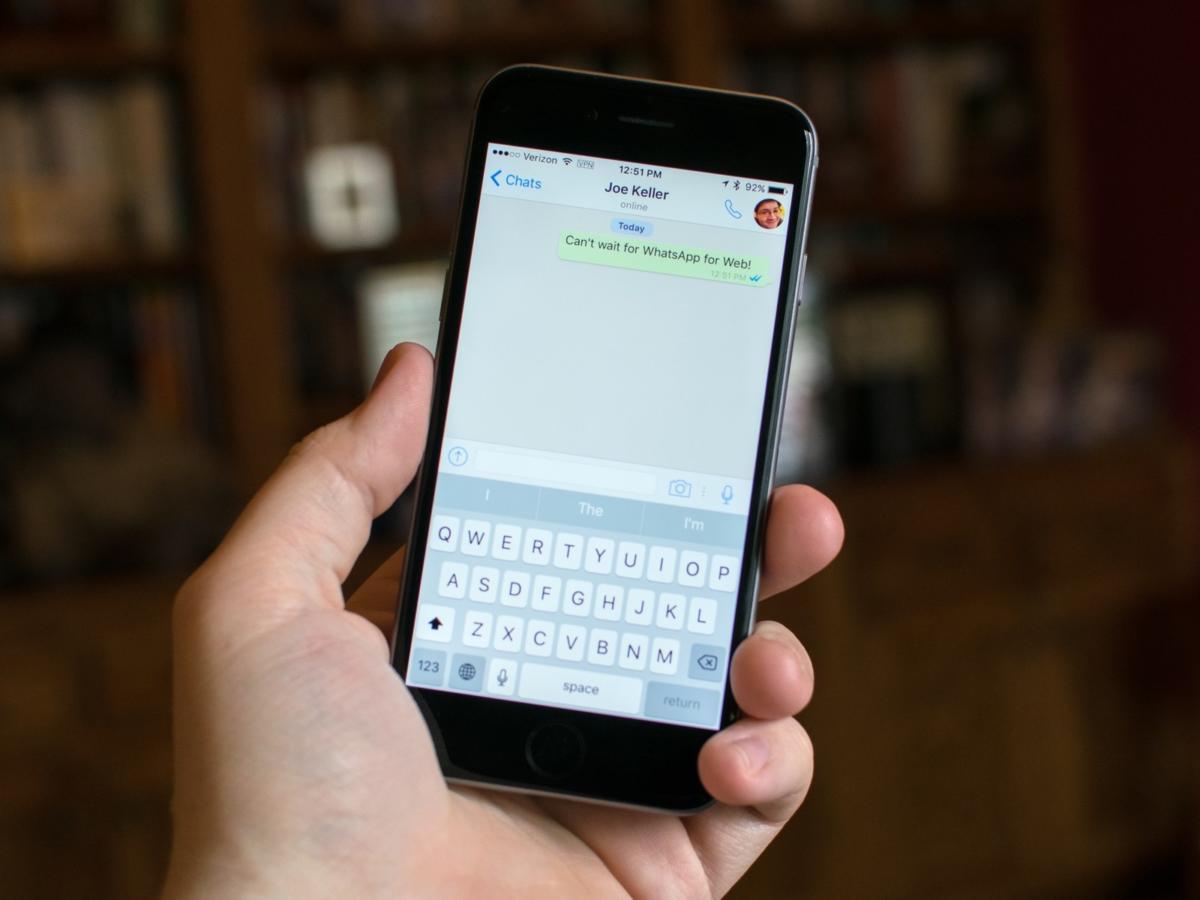 whatsapp-iphone6-hero-2