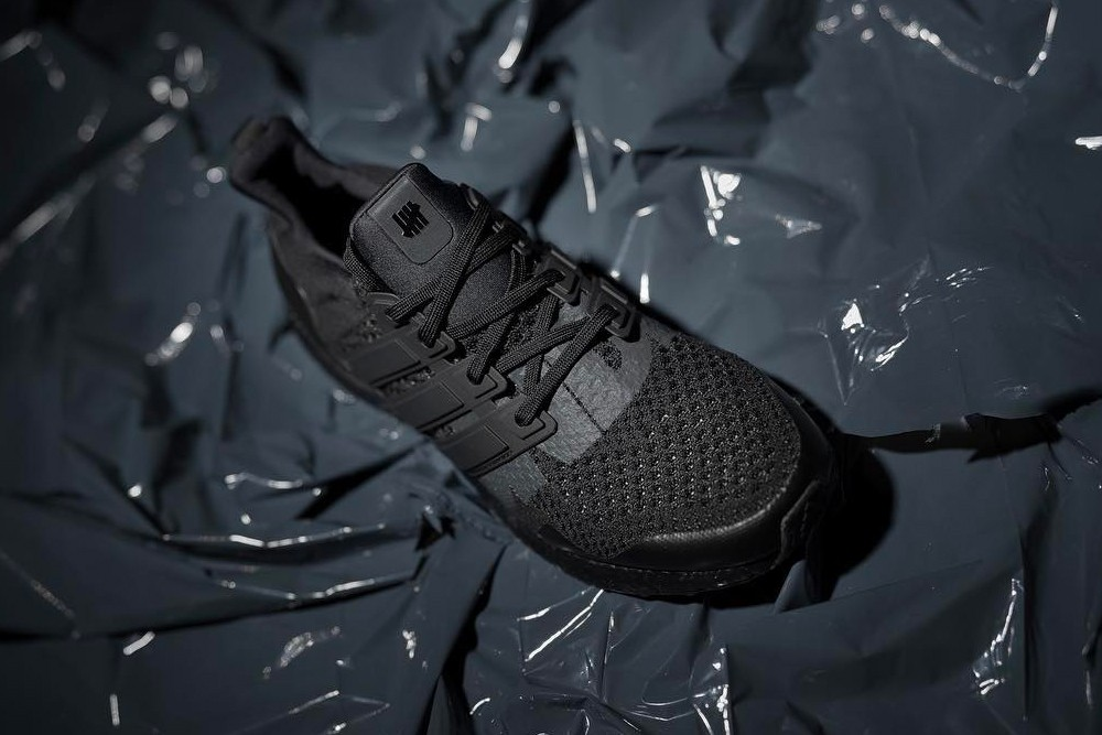 https___hypebeast.com_image_2019_03_undefeated-adidas-ultraboost-triple-black-first-look-002