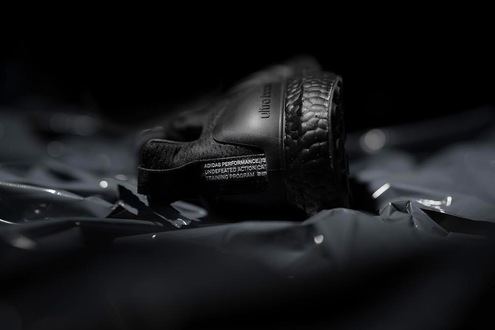 https___hypebeast.com_image_2019_03_undefeated-adidas-ultraboost-triple-black-first-look-003