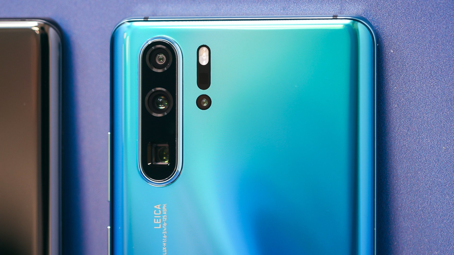 AndroidPIT-huawei-p30-pro-front-camera-l3tg2