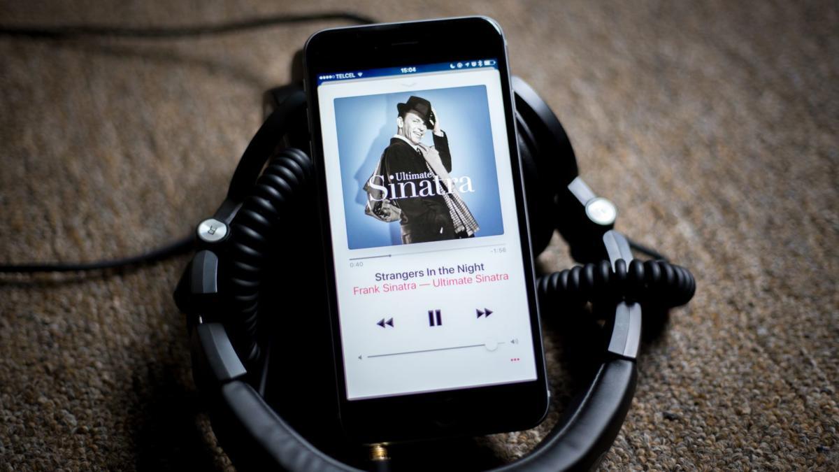 apple-music-vs-spotify-1
