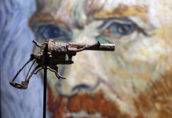 Van Gogh's Pistol Used In His  Suicide Goes On Auction in Paris