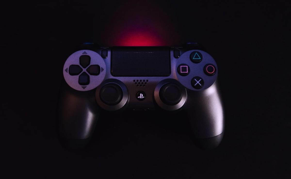 sony-playstation-controller-e1555496250665