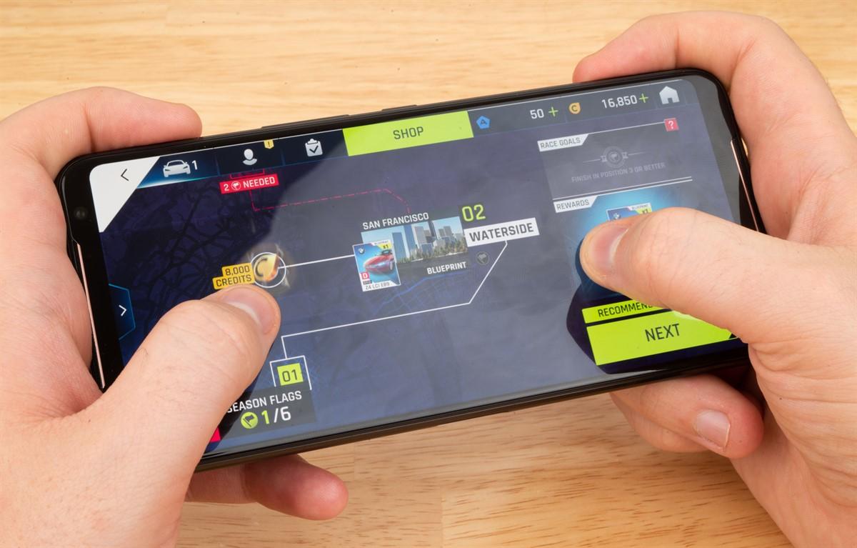 ASUS-ROG-Phone-II-Gaming