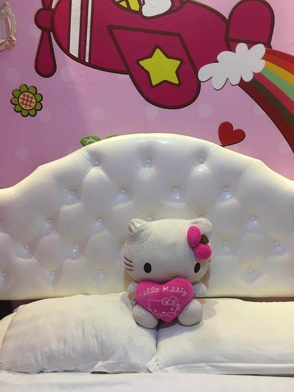 Hello Kitty Amy Medusaa-3