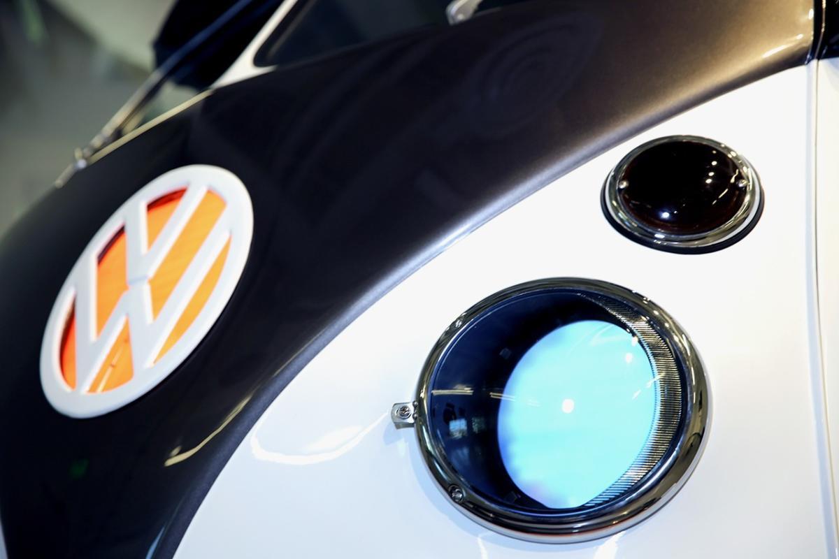 https___hypebeast.com_image_2019_07_volkswagen-type-20-electric-microbus-concept-camper-van-4