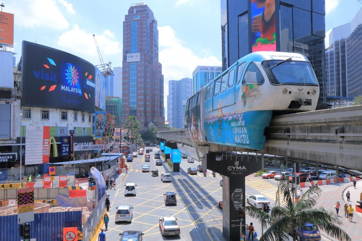 Bintang-walk-in-Bukit-Bintang-and-monorail