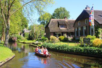 Boat-hire-Giethoorn