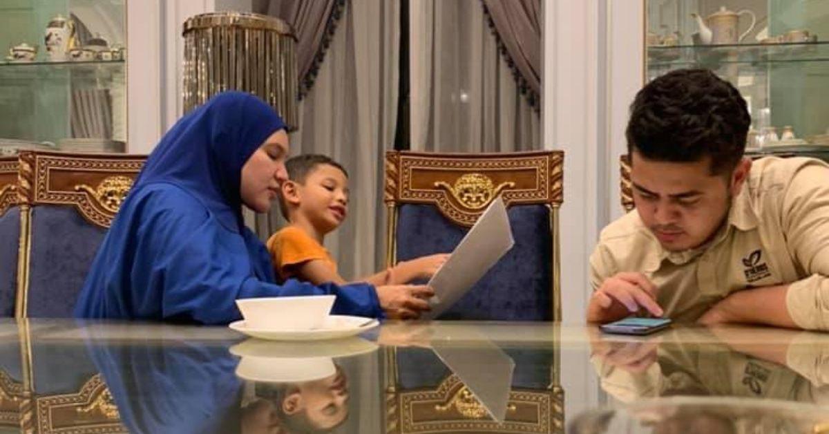 Datin Seri Shahida layan anak