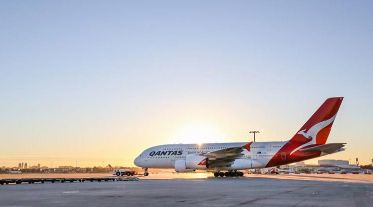 Qantas-Points-Plane