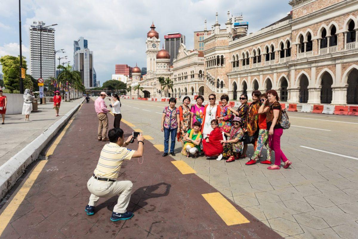 ChinesetouristsMalaysia-1240×827