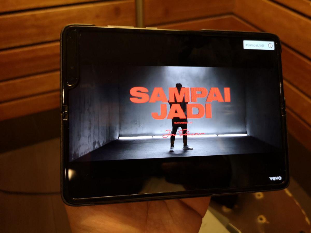 Samsung Lipat 2