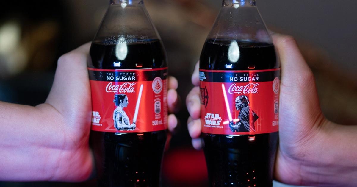 coca-cola-star-wars-lighted-bottles_bygv