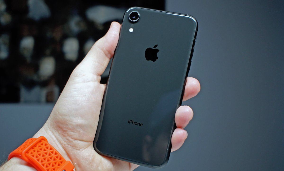 iPhone-XR-Review-back