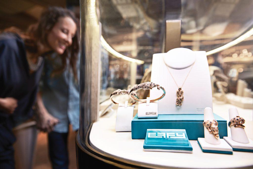 Effy-jewellery-cabinet-onboard-1024×685