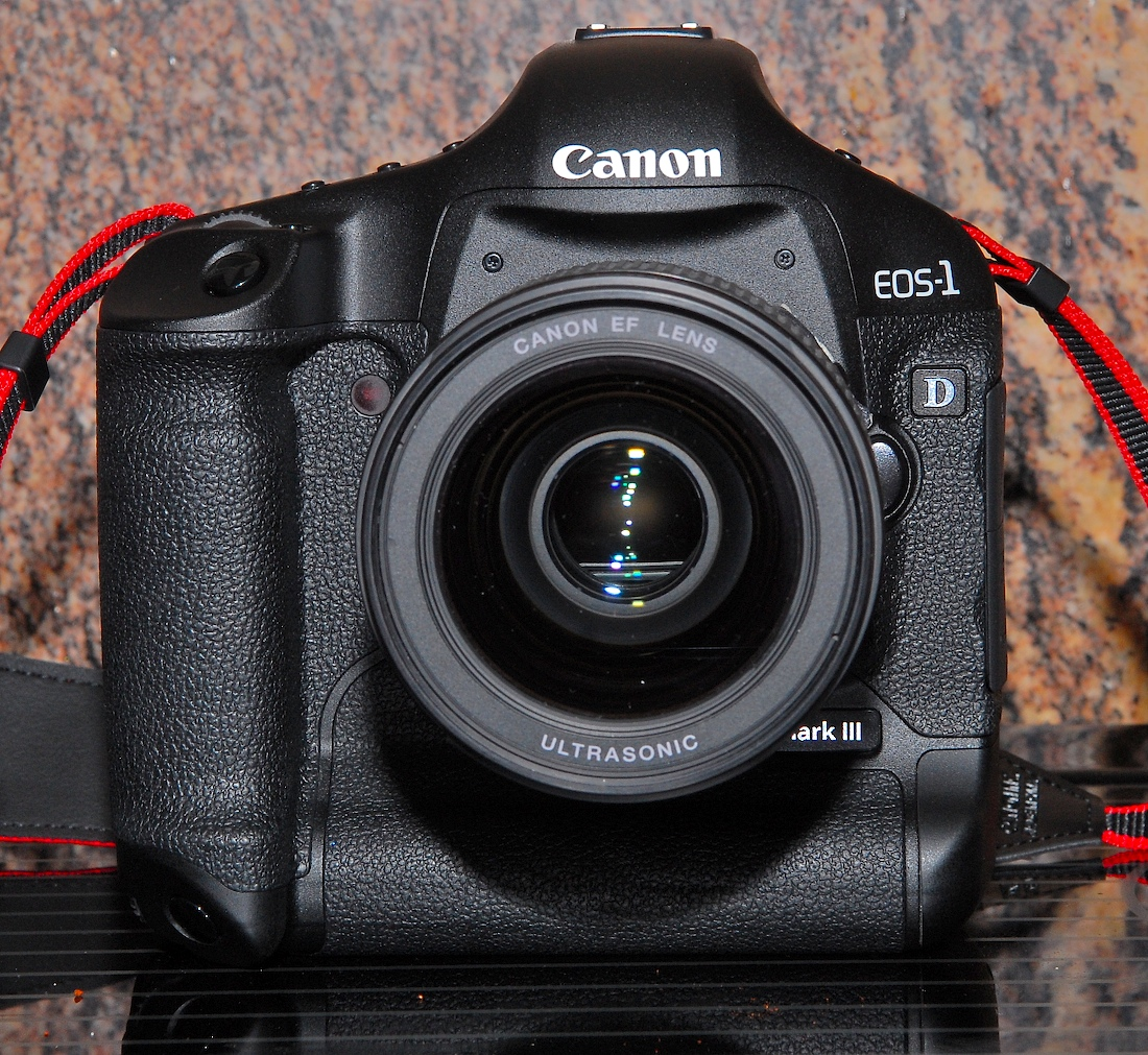 Eos-1D_Mark_III_Front_View